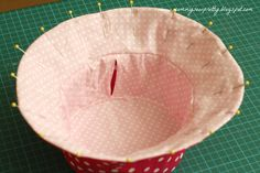 mommy sew pretty: Quick tip on Reversible Bucket Hat Baby Sewing Projects, Sewing Projects For Beginners, Sewing Hacks, Sewing To Sell, Sewing For Kids, Hat Patterns To Sew, Diy Hat, Sewing Clothes, Baby Hats