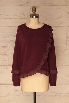 Milordo Burgundy #Boutique1861 / On top of being a cozy protection against the chill of autumn, this warm and soft sweater will give you a fun and festive look! You'll love the loose fitting cut and soft and fuzzy lining that will keep you comfortable all day long.