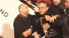 Barbaros Şansal'a tepki yağdı Sosyal medyadaki paylaşımlarıyla Türkiye'ye hakaretler yağdıran modacı Barbaros Şansal KKTC'den sınır dışı edildi. Uçakta da taşkınlık yapan Şansal, Atatürk Havalimanı'nda gözaltına alındı.