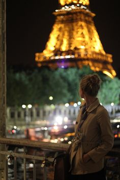The Eiffel Tour at night - paris bucket list