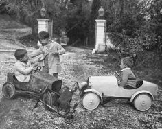 Little boys play after a traffic accident with two trapauto and a tricycle… Car Photography, Vintage Photography, Children Photography, Tricycle, Old Photos, Vintage Photos, Balance Bike, Bmw Series, Ride On Toys