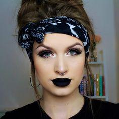 @anastasiabeverlyhills midnight liquid lipstick • @morphebrushes #43 lashes and eyeliner • @makeupaddictioncosmetics brushes