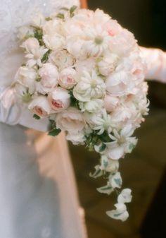 ブーケ 恵比寿まで、取りに来てくださった新婦様 : 一会 ウエディングの花