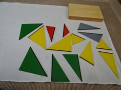 Montessori Mar del Sur: Triángulos Constructivos. Primera caja // Construc... Triangles, Montessori Math, Homeschool, Logos, Places, Montessori Materials, Crates, Triangle Shape, Homeschooling