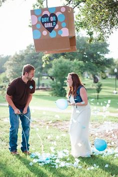 Having a hard time finding a baby gender reveal party or photo idea that suits you and your significant other? This inspiration should help out in announcing whether it's a boy or girl. Gender Reveal Announcement, Baby Boy Announcement, Gender Party, Baby Gender Reveal Party, Boy Or Girl Prediction, Gender Reveal Balloons, Baby Boy Pictures, Baby Shower Gifts For Boys, Reveal Parties