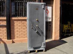 Caja De Seguridad Marca E. Hinze con Llave y Clave / Usada / 8 – ChileRemates.cl http://www.chileremates.cl/varios/cajas-de-seguridad-usadas/