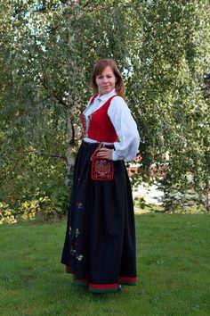 Norwegian traditional dress by Christian Haugen, via Flickr  West-Agder
