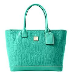 Dooney & Bourke in mint♥ Love Dooney & Bourke and would love to add this to my collection. New Handbags, Cute Bags, My Collection, Bago, Girls Accessories, Beautiful Bags, Dooney Bourke, Purses And Bags, Shoe Bag