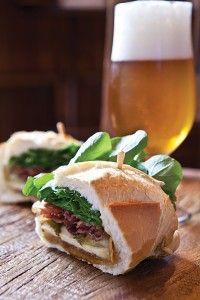 sanduiche de pancetta com melado de cana - sagarana