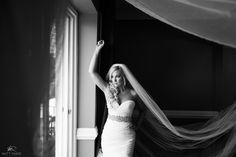 Black & White bridal photos/ Gorgeous Glen Sanders Mansion Summer Wedding – © Matt Ramos Photography