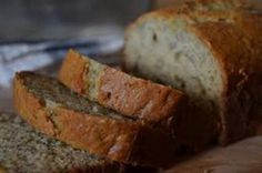 banana bread via melissa likes to eat Make Banana Bread, Banana Bread Recipes, Cake Recipes, Yummy Recipes, South African Dishes, Everyday Food, Something Sweet, Sweet Tooth, Diabetic Recipes