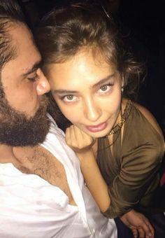date night Luxury Couple, Olay, Turkish Actors, Celebrity Couples, Couple Photography, Serum, Acting, Romance, Actresses