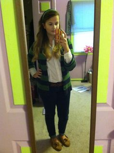 There's nothing better than starting your day off with a great outfit!  Sweater: L.L.Bean   Jeans: Hollister  Shoes: Sperrys