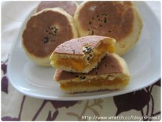 Sweet Potato Stuffed Pancake (用鬆餅粉作地瓜餡餅)