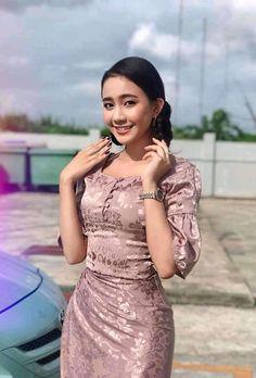 Myanmar Traditional Dress, Traditional Dresses, Girl Fashion, Fashion Dresses, Womens Fashion, Myanmar Dress Design, Pink Wardrobe, Black Tulips, Famous Black