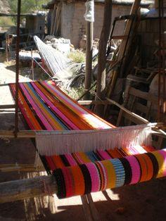Telar artesanal, en la casa de Sara Delgado, tejedora e hilandera, Belén, Catamarca, Argentina