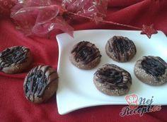 Sváteční kakaové sušenky Tray Decor, Muffin, Appetizers, Sweets, Breakfast, Desserts, Author, Biscuits, Morning Coffee