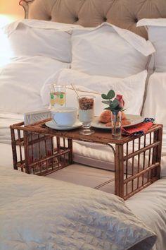 Bamboo Breakfast Tray on Carrie Bradshaw Lied
