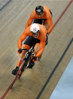 Jeffrey Hoogland of the Netherlands and Harrie Lavreysen of the Netherlands compete in the Men's Sprint Semi Final during the track cycling on Day. Track Cycling, Cycling Wear, Pro Cycling, Cycling Outfit, Lycra Men, Marathon Runners, European Championships, Bicycle Art, Semi Final