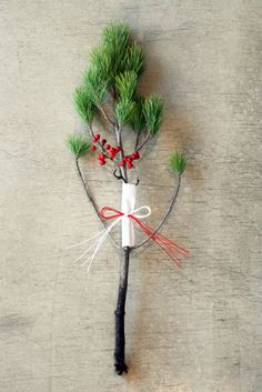 Indoor Gardens For Your Home Green Christmas, Xmas, Christmas Ornaments, Ikebana Flower Arrangement, Flower Arrangements, Japanese New Year, Christmas Arrangements, New Years Decorations, Viera