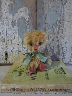 Dudley the Duckling: vintage style, soft sculpture, fabric art doll animal (duck, duckling).