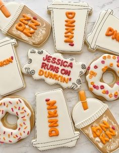 On a baking kick and interested in making your own Dunkin' donut inspired cookies at home? Check out this recipe for DIY Dunkin' Vanilla Sugar Cookies. Dunkin Donuts Cake, Diy Donuts, Donut Birthday Parties, Donut Party, Donkin Donuts, Halloween Sugar Cookies, Coffee And Donuts, Cupcakes, Novelty Cakes