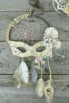 DIY Blue Feather and Bead Dream Catcher. This dream catcher is an attractive one made… Los Dreamcatchers, Beautiful Dream Catchers, Diy And Crafts, Arts And Crafts, Graphic 45, Suncatchers, Wind Chimes, Decoupage, Craft Projects