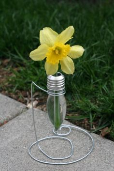 Recycle Your Blown-Out Light Bulbs!  The Hardware Way!