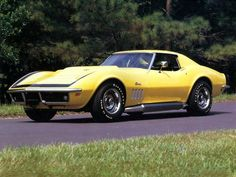 Check out the lines on this #Classic #Corvette! #Style #Design #SportsCar #Speed #Power..Re-pin brought to you by #OregonInsuranceagents at #houseofinsurance in #EugeneOregon