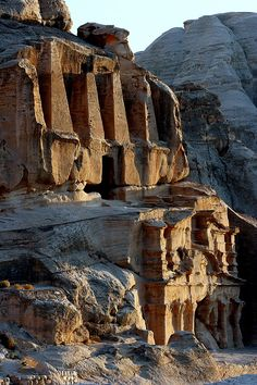 Obelisk Tomb & Bab Al Siq Triclinium by Joe & Clair Carnegie / Libyan Soup Gothic Architecture, Ancient Architecture, Petra, Building Structure, Stone Work, Archaeology, Places To See, Medieval, Scenery