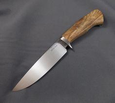 Hunter-W1 and figured Ash | Mozolič Knives