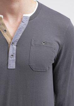 https://www.zalando.pl/tom-tailor-fitted-bluzka-z-dlugim-rekawem-tarmac-grey-to222o03h-c11.html