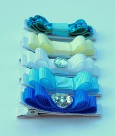 """Belle's Bows - Inspired By Disney Princess """" Cinderella """" collection. set of 5 lined hair bows."""