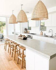 Home Decor Kitchen, Kitchen Living, Interior Design Kitchen, New Kitchen, Home Kitchens, Kitchen Island, French Kitchens, Beach House Kitchens, Interior Livingroom