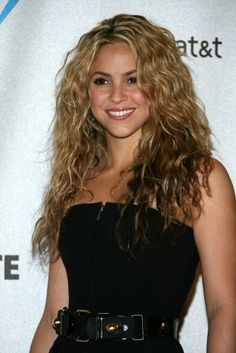 Shakira #hairgoals