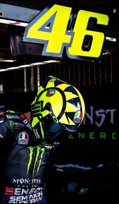Motogp Valentino Rossi, Valentino Rossi 46, Jdm Wallpaper, Bike Pic, Vr46, Racing Motorcycles, Car Wallpapers, Sport Bikes, Cool Bikes