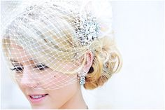 birdcage veil | Image by Glam Flash Photography, read more http://www.frenchweddingstyle.com/wedding-chateau-la-grange-france/