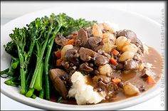 French Lentil Bourguignon A great meal for saving money! Lentils instead of Gardein Home Style Beefless Tips. Vegan Dinner Recipes, Entree Recipes, Vegan Dinners, Veggie Recipes, Great Recipes, Vegan Vegetarian, Vegetarian Recipes, Vegan Beef, Cooking Recipes