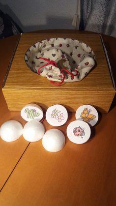 Caja mágica. Los niños sacan las bolas y cuentan un cuento.