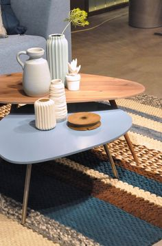 Topform tafels bijzettafels Lago en Forma hout & blauw - Smellink Wonen + Design