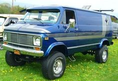 V8-VAN-SIX-WHEEL-AND-4X4 - Custom V8 Van Conversion