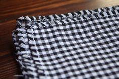 Easy napkins zig zag and fray edge