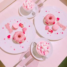 Most of the most popular bags do not meet a certain aesthetics this season. Pink Sweets, Tout Rose, Kawaii Dessert, Pink Foods, Köstliche Desserts, Everything Pink, Aesthetic Food, Cute Food, Pastel Pink