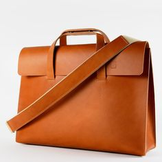 HERITAGE LEATHER SATCHEL