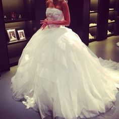 Vera Wang wedding dress!!