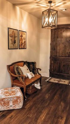 Western Living Rooms, Country Western Decor, Western Theme, Western Style, Rustic Style, Rustic Entryway, Entryway Decor, Rustic Home Interiors, Rustic Homes