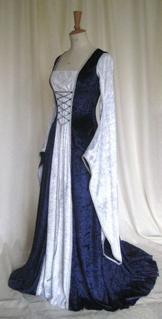 Erin a Medieval Gothic Renaissance Larp Pagan Pre-Raphaelite Custom Made Wedding Gown Medieval Gothic, Medieval Gown, Medieval Fashion, Renaissance Costume, Medieval Costume, Renaissance Clothing, Renaissance Wedding Dresses, Pretty Dresses, Beautiful Dresses