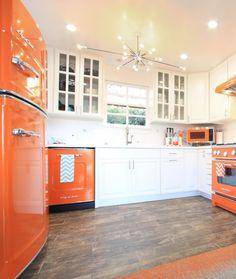 All-American Retro Style with a splash of vibrant orange. Say no to the standard 'white box' and go retro cool. Inspired? Click to discover more. #RetroFridge