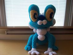 Froakie Pokemon from Kates Creations. Lots of Pokemon patterns on this site. Cute Crochet, Crochet For Kids, Crochet Crafts, Crochet Dolls, Yarn Crafts, Crochet Projects, Pokemon Crochet Pattern, Amigurumi Patterns, Crochet Patterns