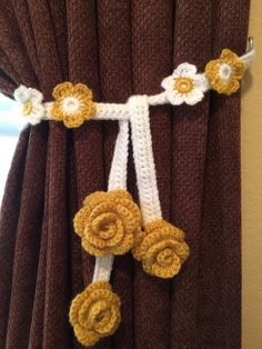 Crochet Curtain Tieback - 1 pair, Rose Flower (golden mustard w/white band) by JinesCrafts on Etsy Crochet Cushion Cover, Crochet Cushions, Crochet Decoration, Crochet Home Decor, Crochet Flower Patterns, Crochet Flowers, Crochet Borders, Crochet Squares, Crochet Lace